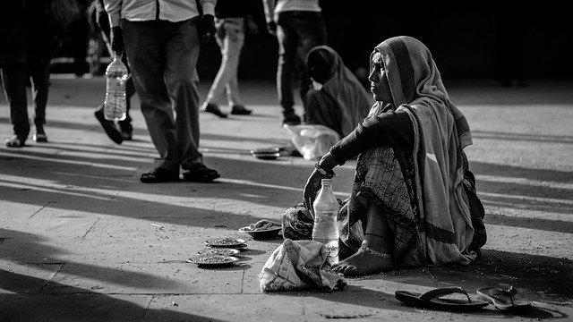žebráci na ulici