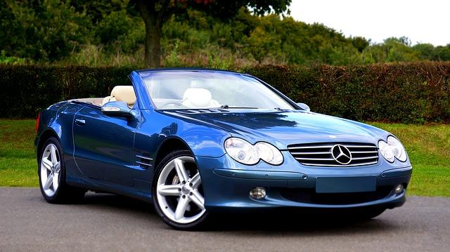 modrý kabriolet