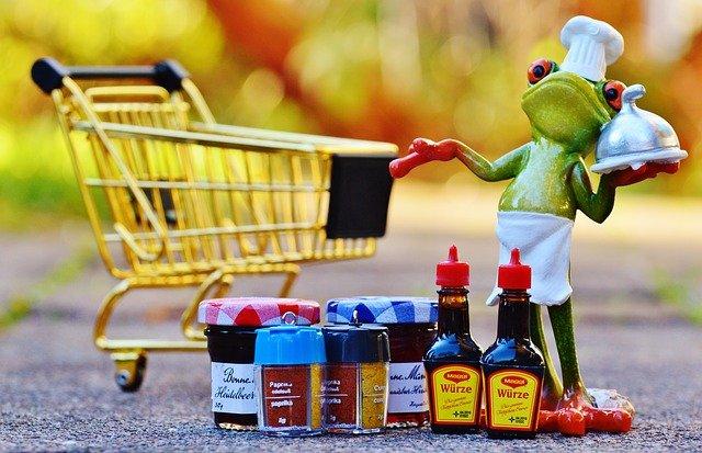 žába s nákupem