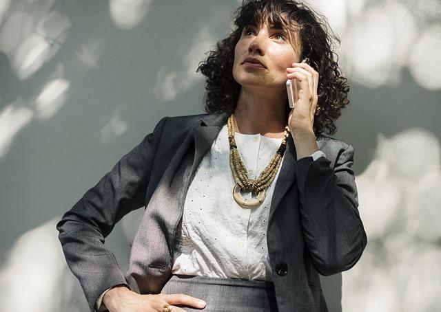 podnikatelka na telefonu