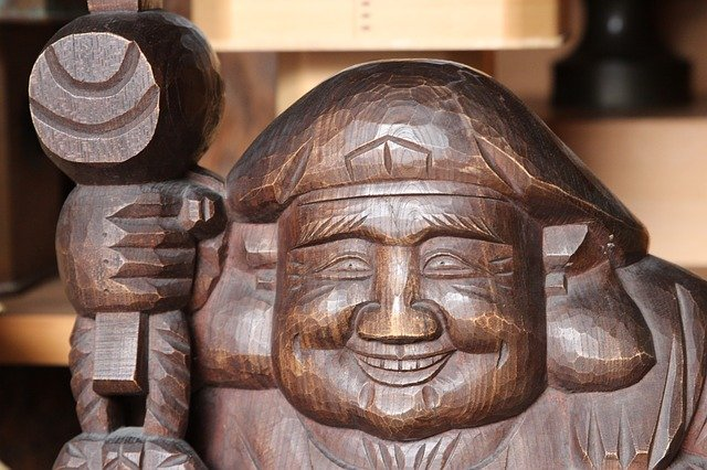 dřevěný budha