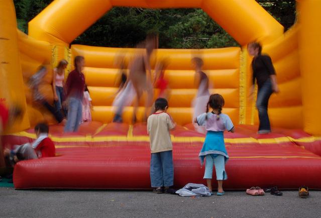 skákací hrad pro děti.jpg