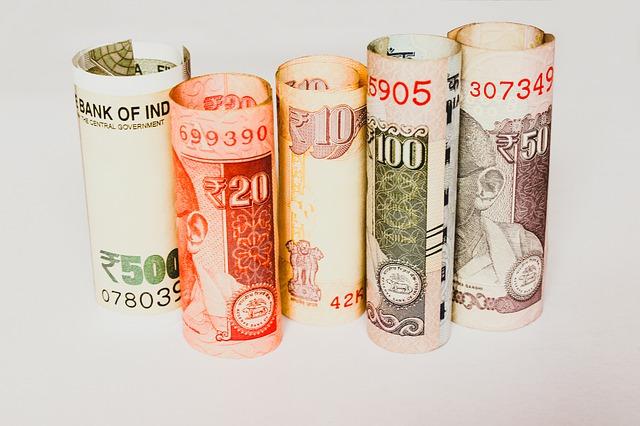 srolované peníze.jpg