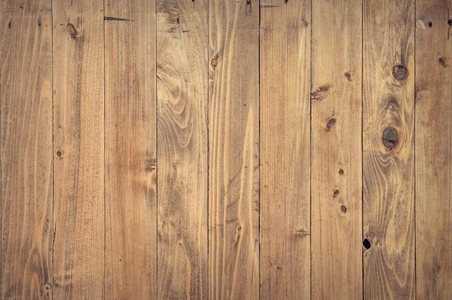 dřevěná prkna, svislá.jpg