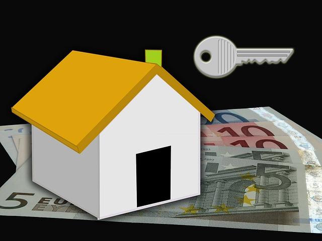 koupit dům, bankovky, klíč